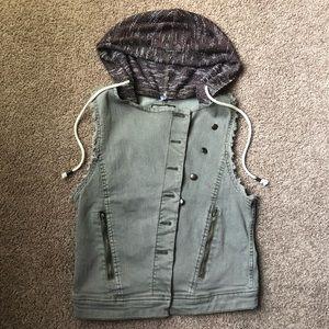 BKE Jackets & Coats - Buckle BKE Vest Olive Jean Hood Medium Asymmetric